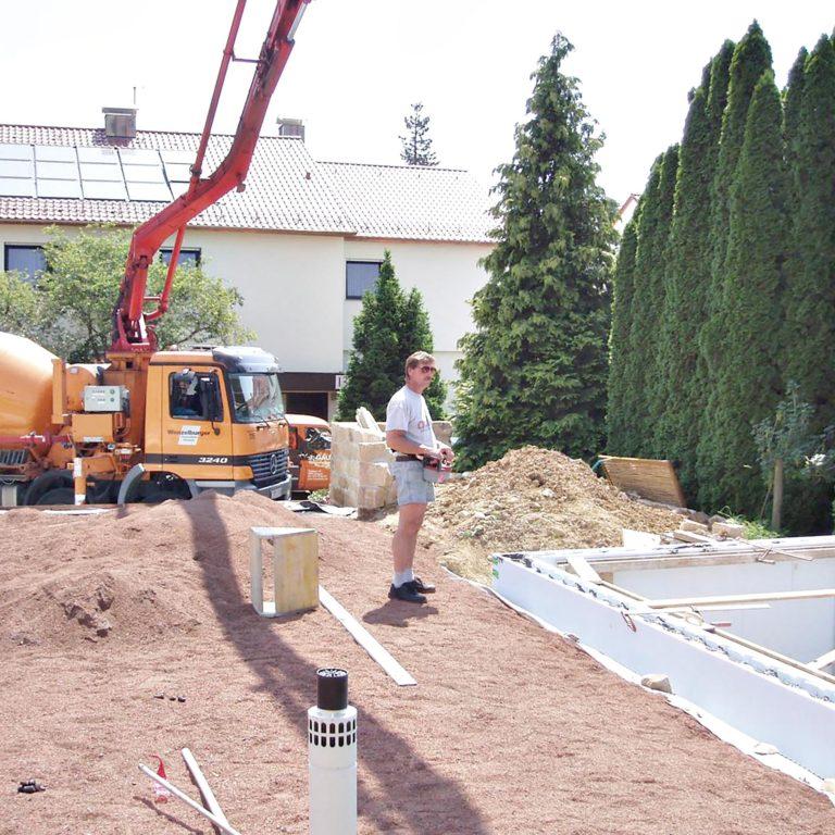 Gauder-bau-stuttgart-Außenanlage Platten,Pool Bürkle 07.2006-05
