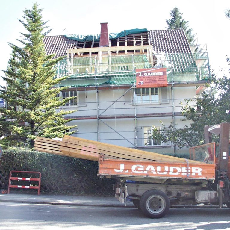 Gauder-bau-stuttgart-Holzbau Dachgaube Bär Degerloch 07.2002-03
