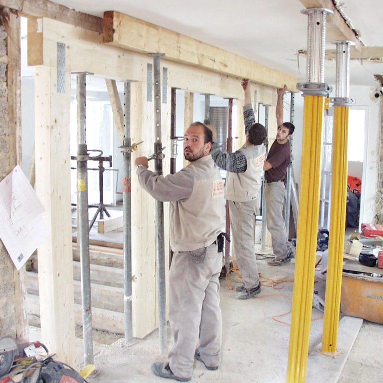 Gauder-bau-stuttgart-Sanierung Stahlträger und Holzträgereinbau Fischer Degerloch 07.2002-02